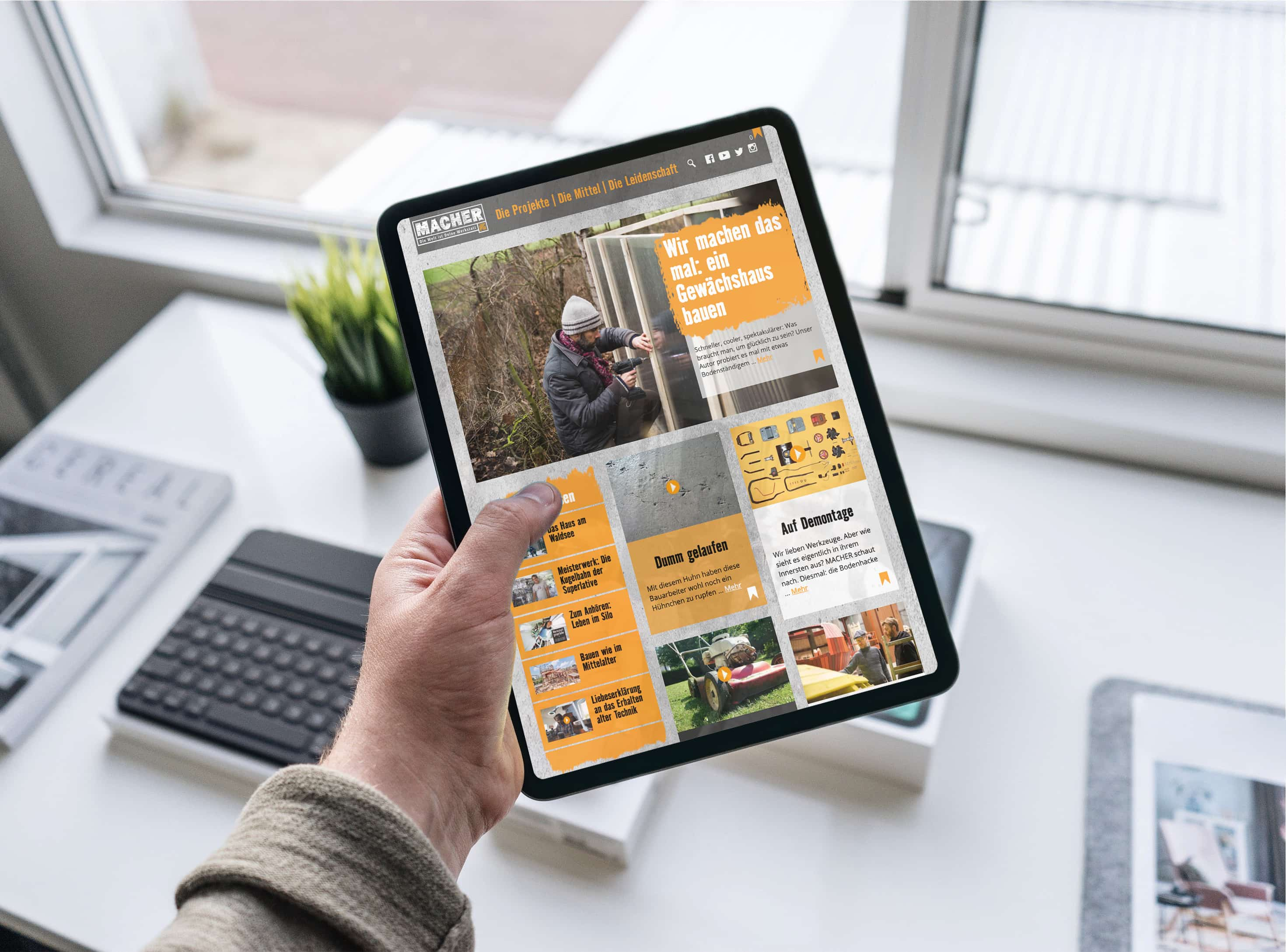 Tablet shows  Hornbach's MACHER - the blog that transforms