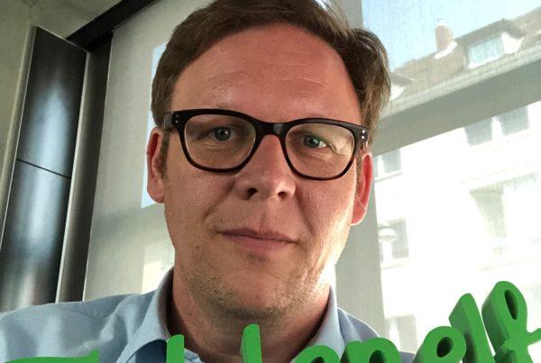 Hinter den Embrace-Kulissen: Denis Buss