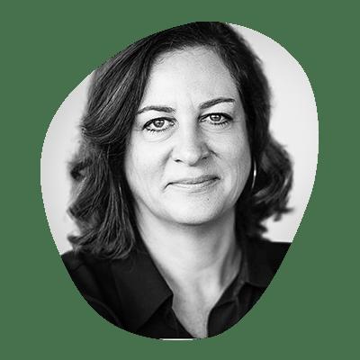 Sandra Harzer-Kux, Porte-parole de la direction